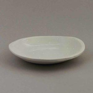 Assiette creuse dessinée par Florence Marquet, pièce unique en porcelaine